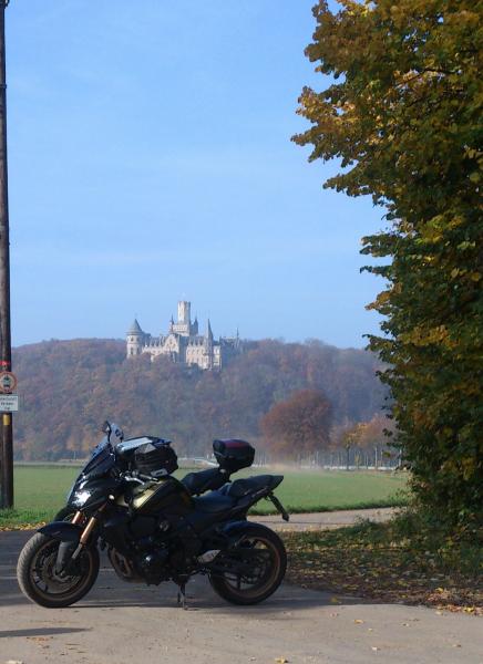 Motorrad mit Marienburg